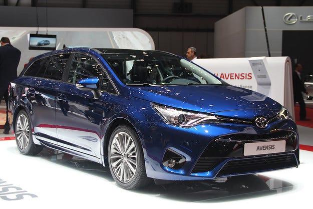 Toyota Avensis получи нови дизелови двигатели