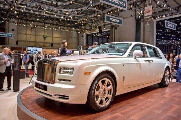 Показаха  Rolls-Royce Phantom с копринен таван