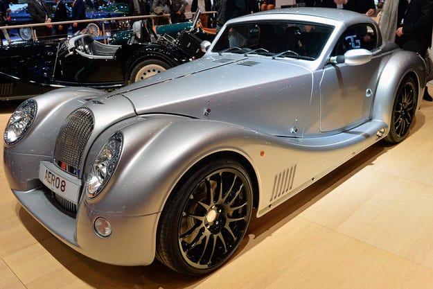 Британският Morgan възроди спортния автомобил Aero 8