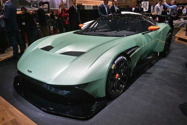 Aston Martin даде на Vulсan мотор с 800 конски сили