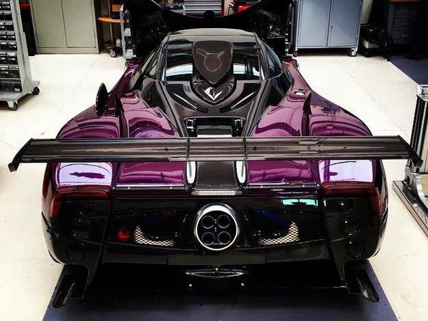 Pagani разработи нова специална версия на модела Zonda