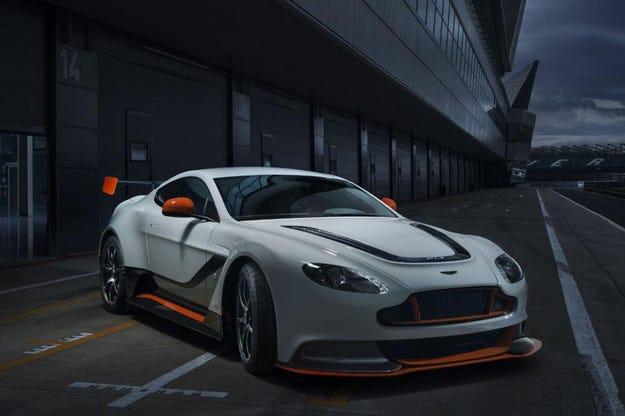 Принудиха Aston Martin да смени името Vantage GT3 Coupe