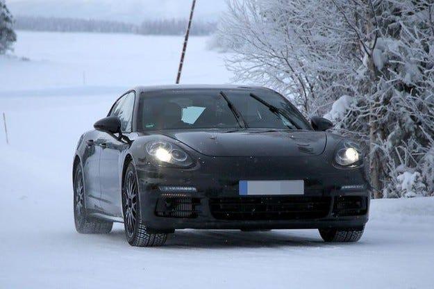 Второто поколение Porsche Panamera на интензивни тестове