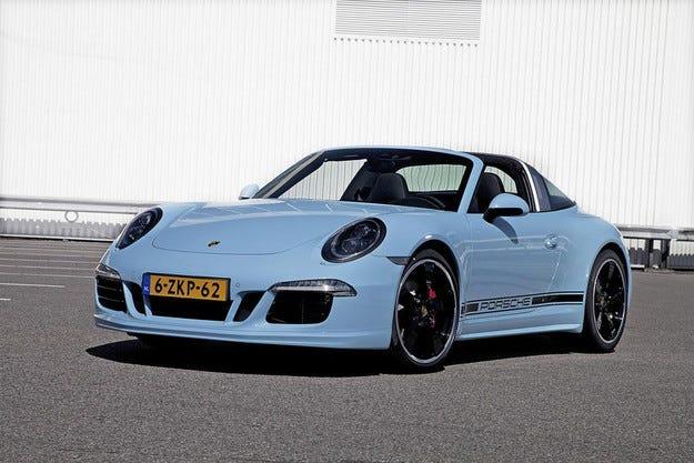 Компанията Porsche ще добави още конски сили на 911 Targa