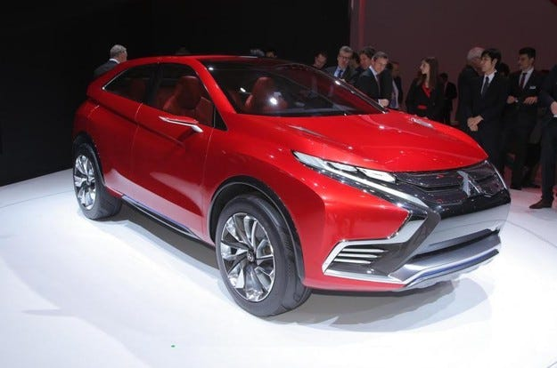 Mitsubishi ще възроди емблемата Evo с мощен хибриден SUV