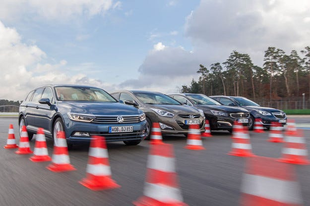 Hyundai i40 Kombi, Opel Insignia Sports Tourer,Peugeot 508 SW и VW Passat Variant