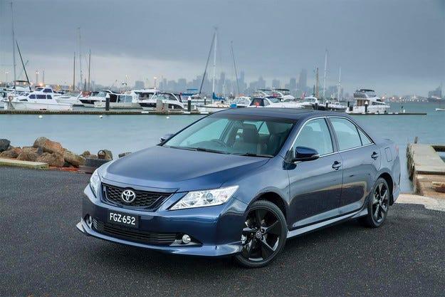 Японската компания Toyota  обнови седана Aurion