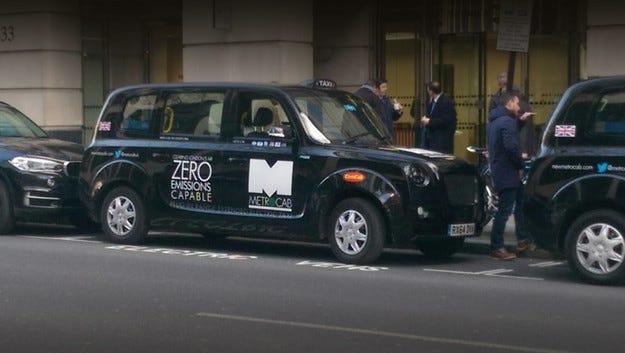 Хибридът Metrocab влиза в серийно производство