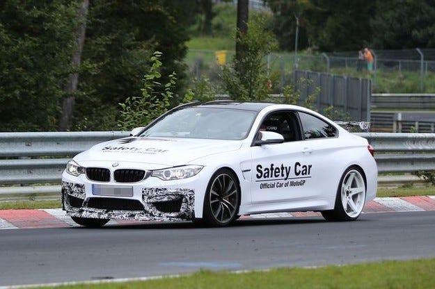 BMW M4 GTS олекотен състезател с 500 к.с.