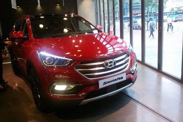 Hyundai представи обновения кросоувър Santa Fe