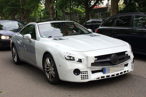 Подготвят обновяване на роудстъра Mercedes -Benz SL