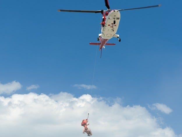 """Хеликоптер на """"Активна грижа"""" спаси давещ се човек в морето"""