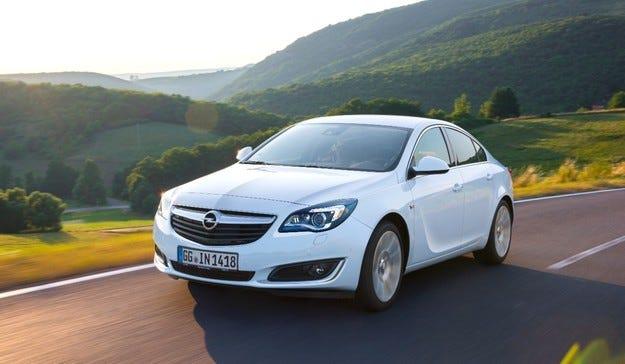 Opel Insignia се предлага с авангардни подобрения