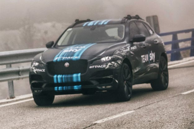 Jaguar ще покаже кросоувъра F-Pace на Тур дьо Франс