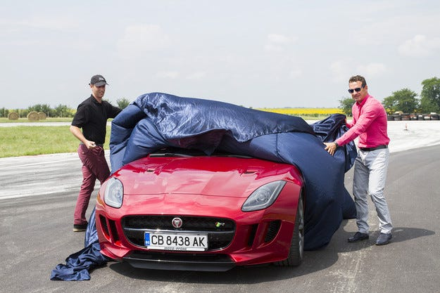 Jaguar F-Type R пристигна у нас