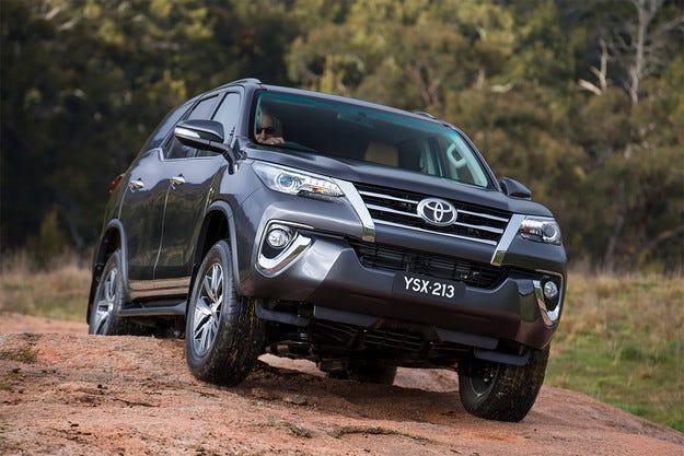 Компанията Toyota представи кросоувъра Fortuner