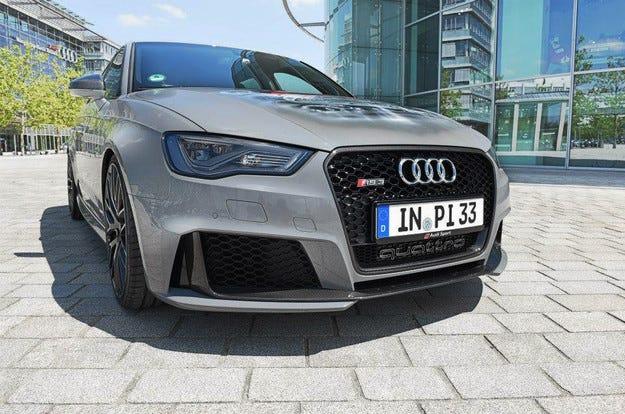 Audi RS3 Sportback е получил въглеродни колела