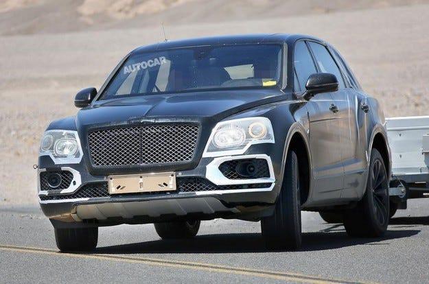 Bentley тества първия кросоувър в Долината на смъртта