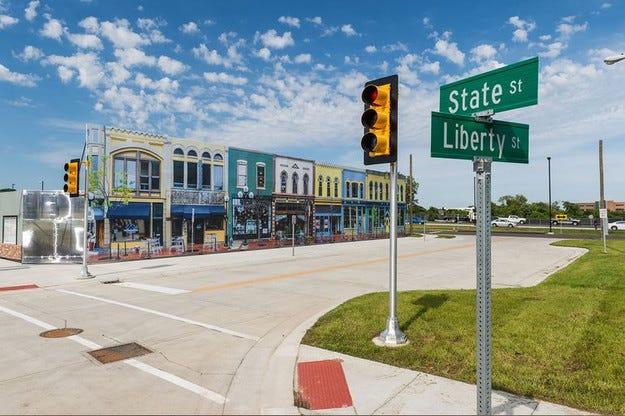 В САЩ построиха град за тест на безпилотни автомобили