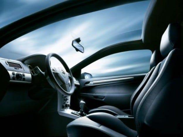 Панорамни стъкла на Opel