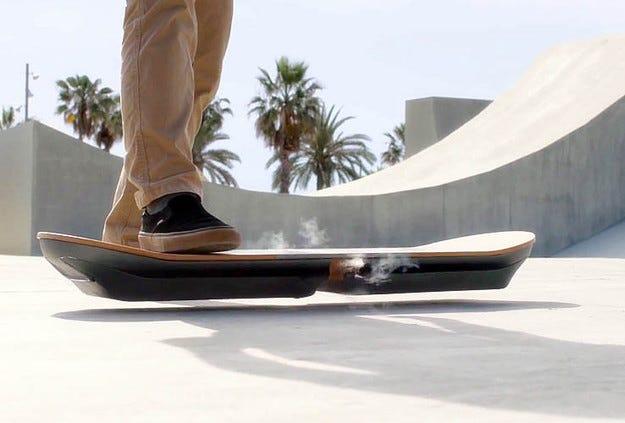 Компанията Lexus представя летящ скейтборд на 5 август