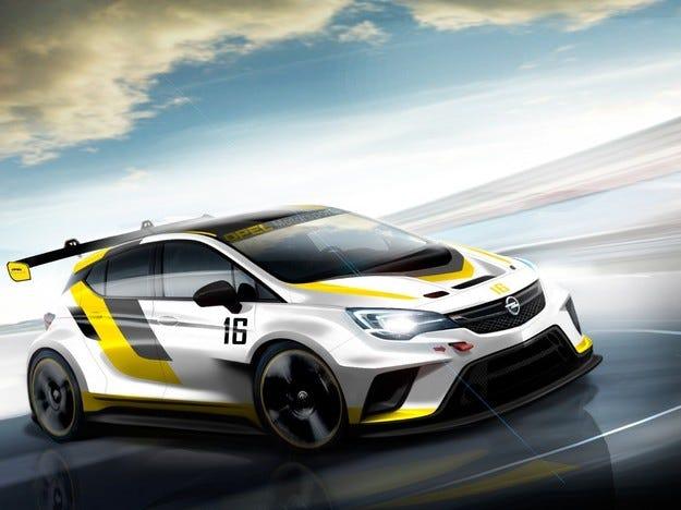 Новият Opel Astra се подготвя за състезателната писта