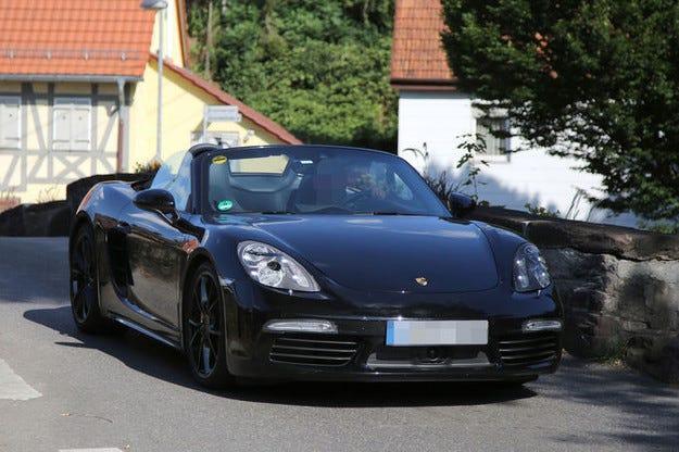 Porsche Boxster 2016 стартира с четирицилиндров мотор