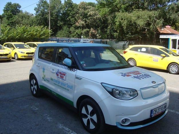 Yellow Taxi  91119 пуска първото електрическо такси у нас