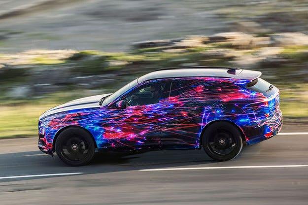 Новият кросоувър Jaguar F-Pace на екстремни тестове