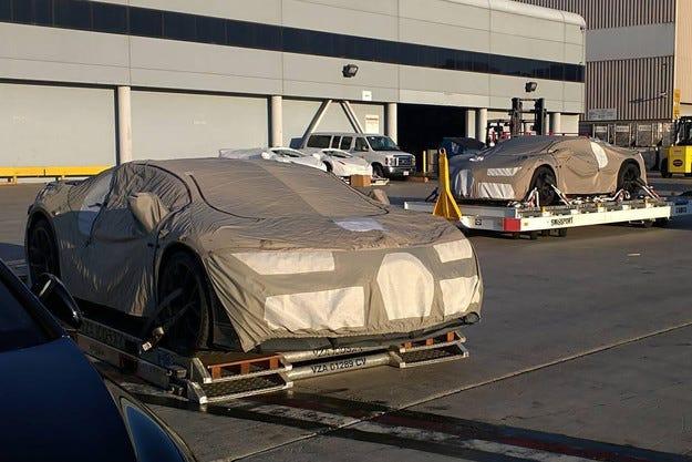 Bugatti представя наследника на Veyron през март 2016