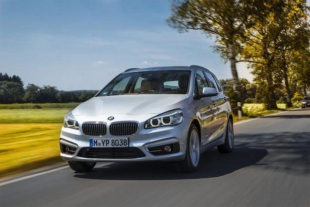 BMW представя два нови хибридни модела