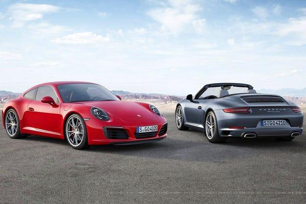 Компанията Porsche представи обновения 911 Carrera