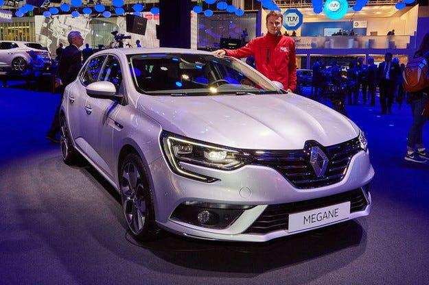 Renault Megane 2016: Новият френски опонент на Golf