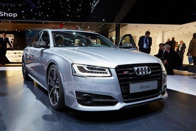 Впечатляващ дебют на седана Audi A8 във Франкфурт