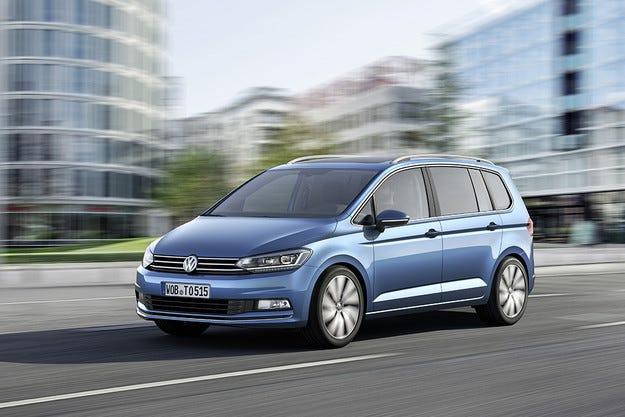Новите VW Touran и Passat Alltrack дебютират у нас