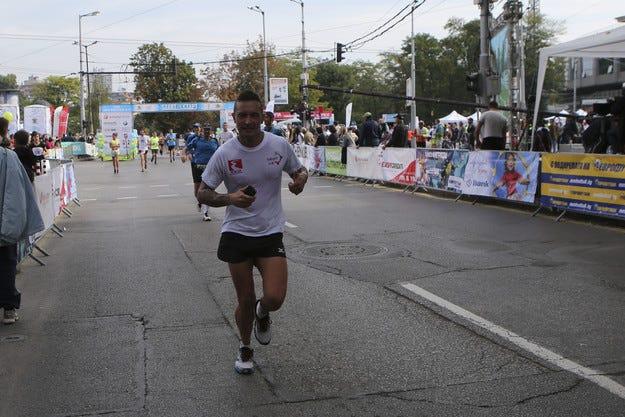 Мартин Чой пробяга 20 км в маратона на София