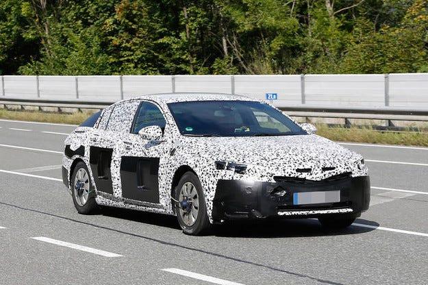 Opel Insignia (2017) редуцира теглото с 200 кг
