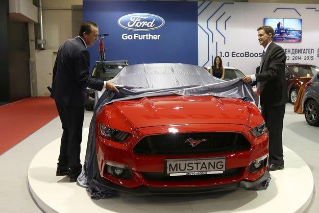 Американкият посланик у нас представи новия Ford  Mustang