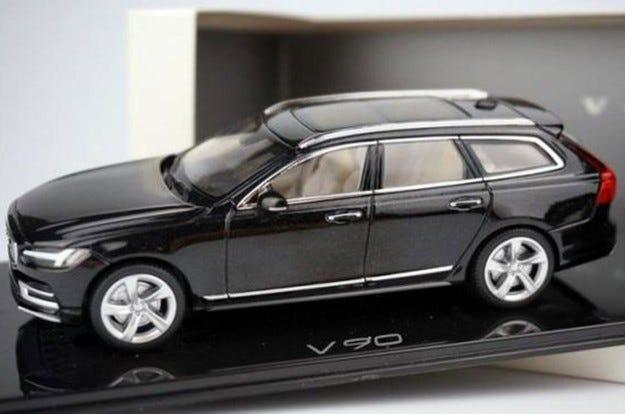 Разкриха дизайна но комбито Volvo V90 чрез играчка