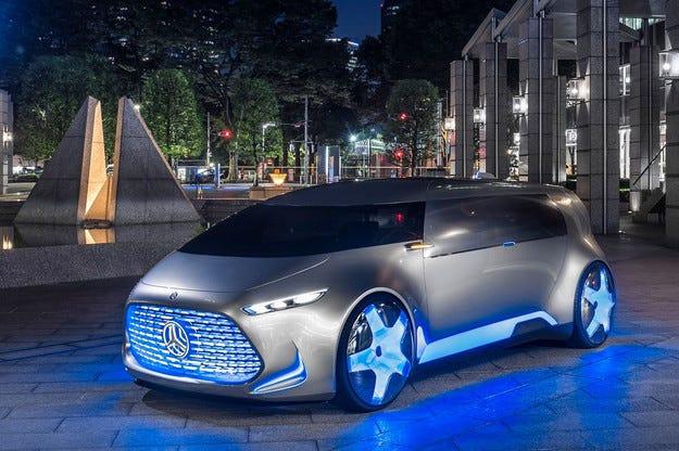 Компанията Mercedes показа в Токио безпилотен миниван