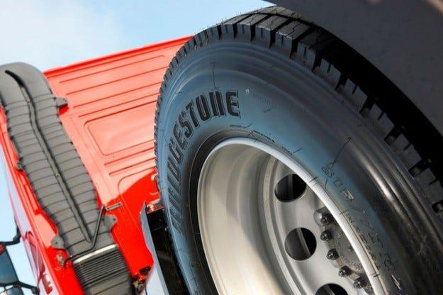 Bridgestone представя единствени по рода си гуми