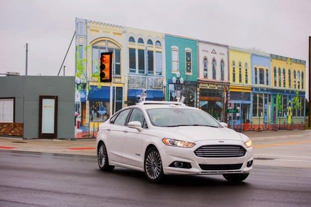 Ford започна тестове на своя безпилотен автомобил