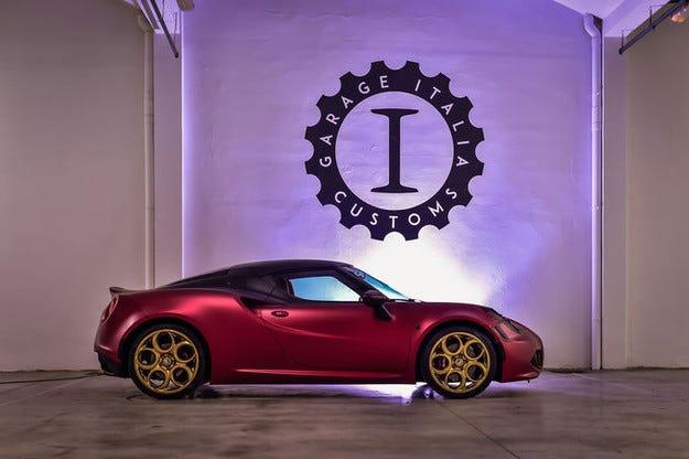 Alfa 4C La Furiosa гастролира на изложение в Дубай