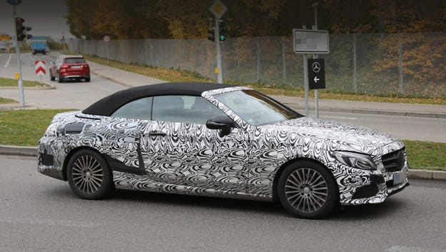 Кабриолетът Mercedes-Benz C-класа ще има мек покрив
