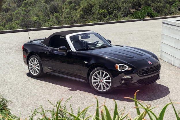 Fiat създаде роудстър на основата на Mazda MX-5