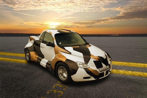 Carbon Motors префасонира интериора за PT Cruiser Widebody