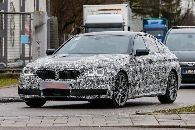 Фотошпиони издебнаха BMW Серия 5 (2016) и като  комби