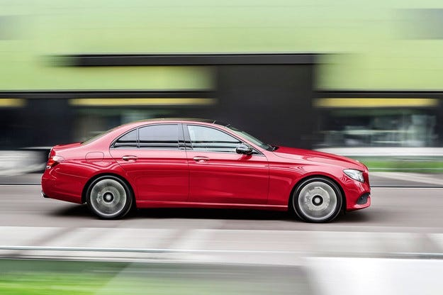 Mercedes-Benz представи новото поколение E-класа