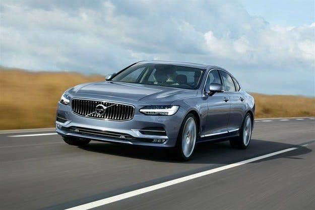 Volvo Cars представи новия седан S90 в Детройт