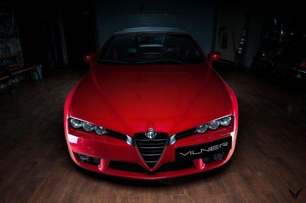 Fibra dе Carbono Rosso: Специален Alfa Spider от Vilner